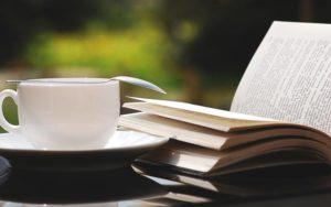 土日の暇つぶしは読書で心の浄化!必ず読みたい本ランキング